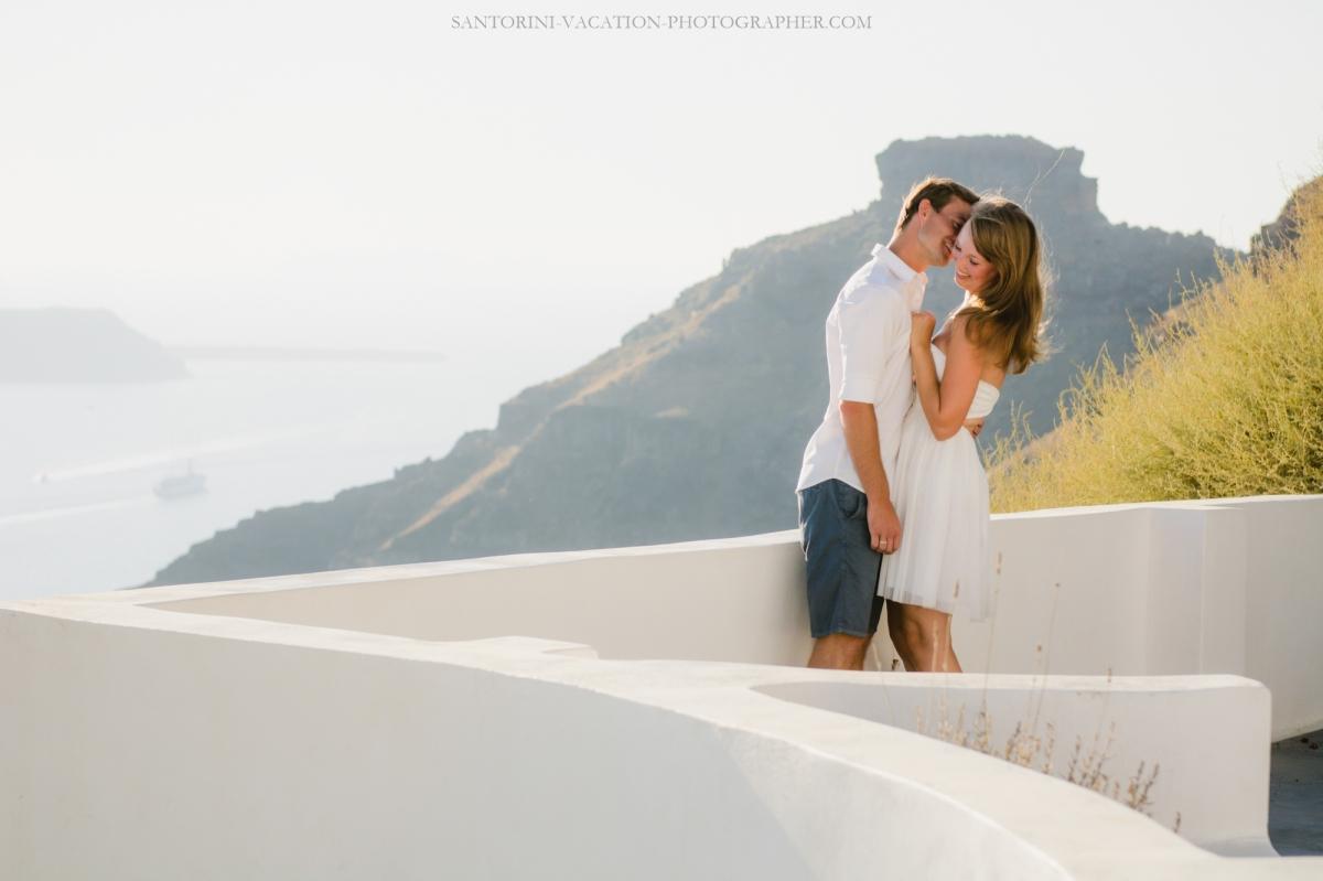 Photo-shoot-Solo-traveler-Santorini-Greece-001