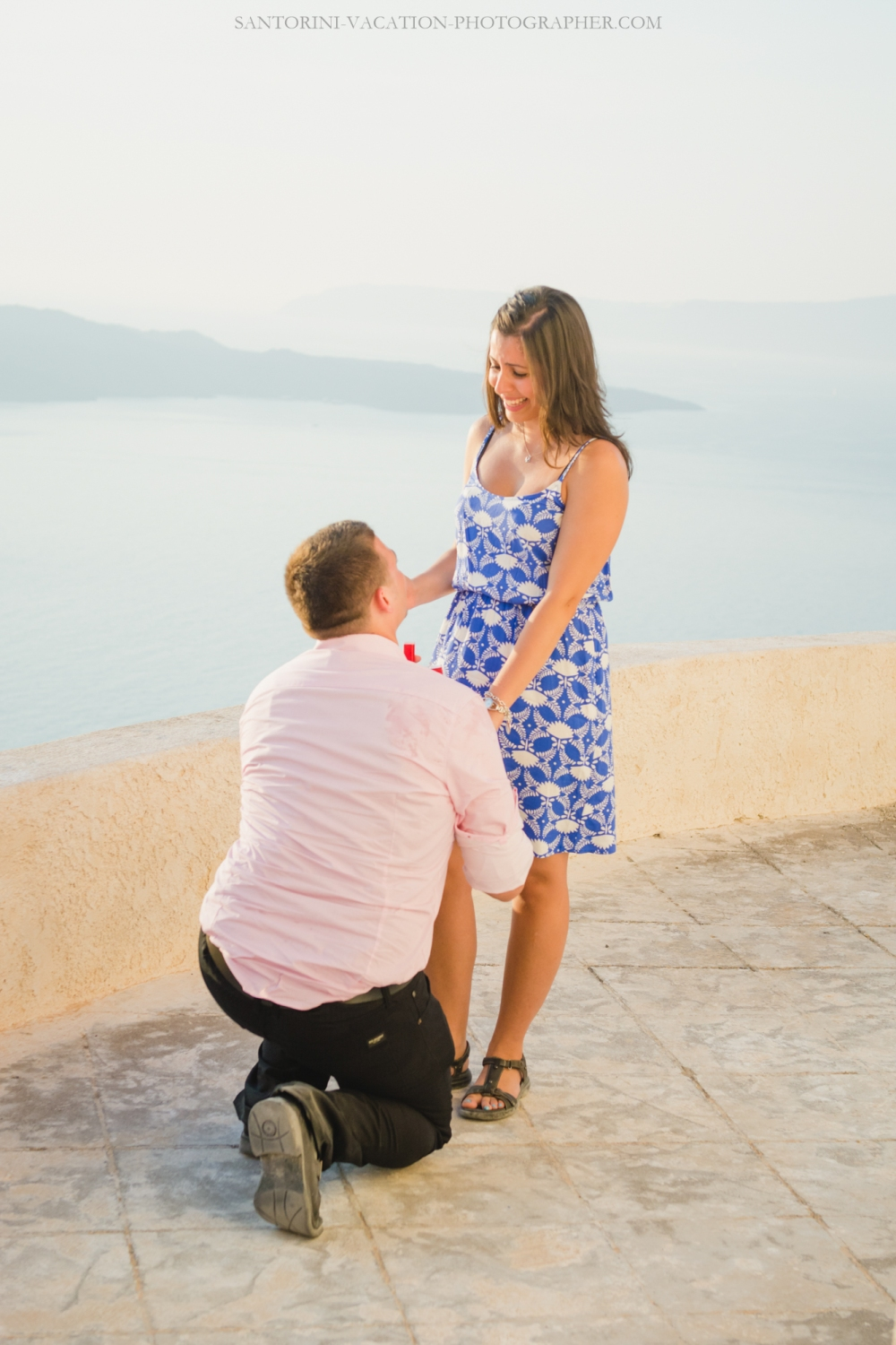 santorini-proposal-at-santorini-heart-megalochori-engagement-001