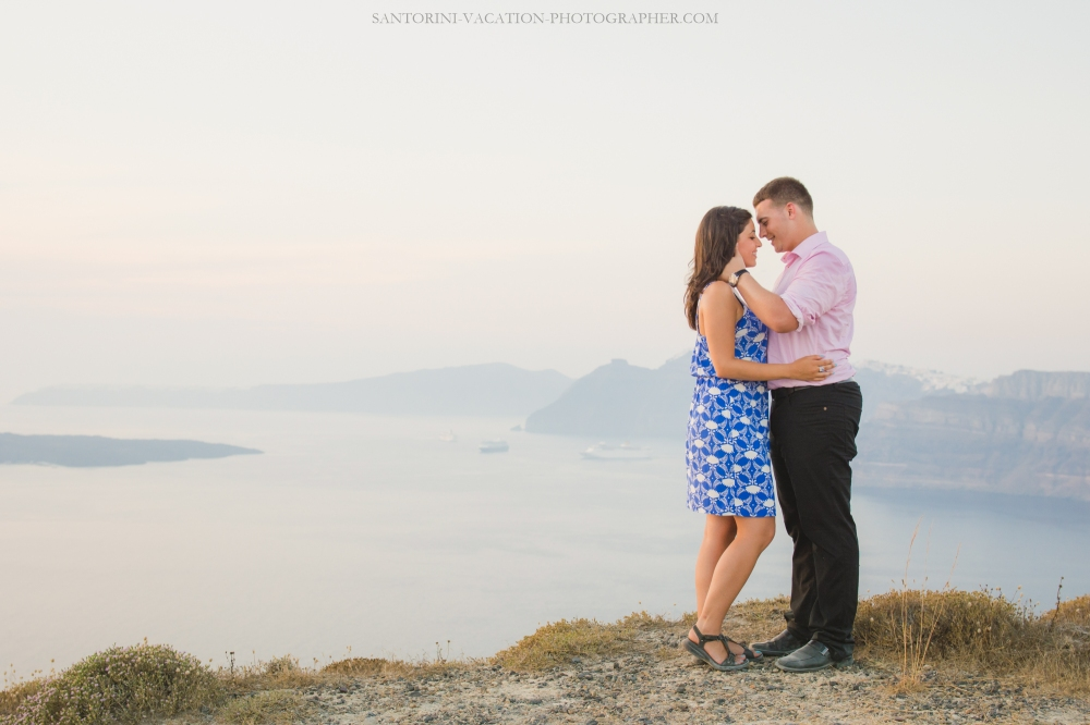 santorini-proposal-at-santorini-heart-megalochori-engagement-005