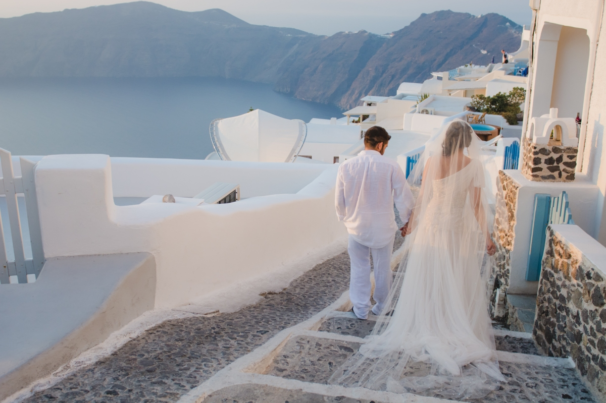 TRASH THE DRESS SESSION IN SANTORINI-post-wedding-shoot-001