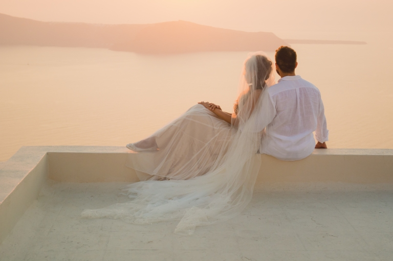 TRASH THE DRESS SESSION IN SANTORINI-post-wedding-shoot-002