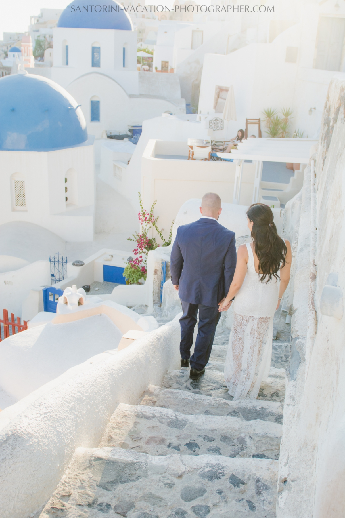HONEYMOON SESSION IN SANTORINI-destination-romantic-adventure-1