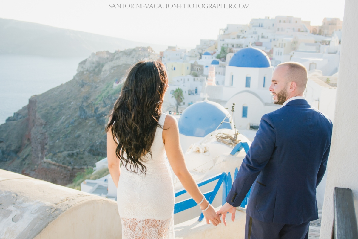 HONEYMOON SESSION IN SANTORINI-destination-romantic-adventure-4