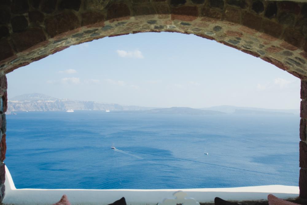 santorini-trip-cave-house-experience