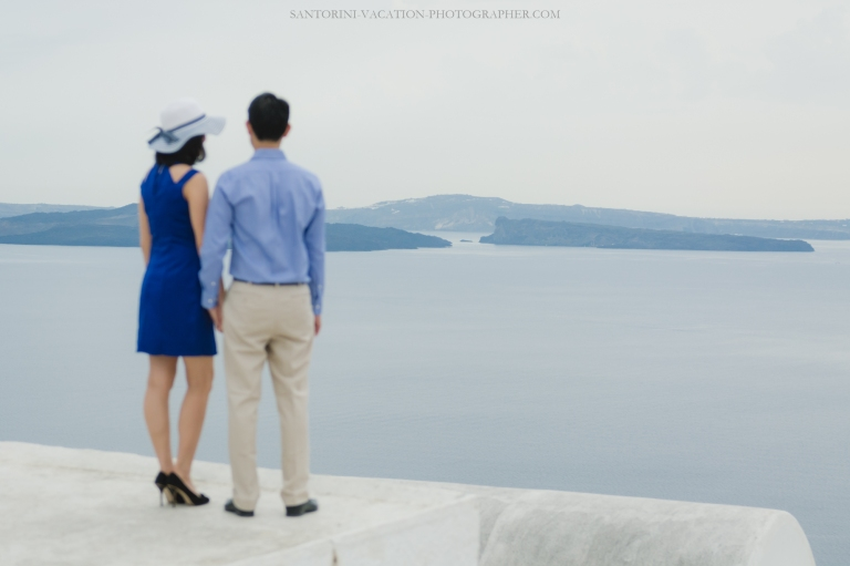 Santorini-couples-photo-session-greece-chrches-Thera-003