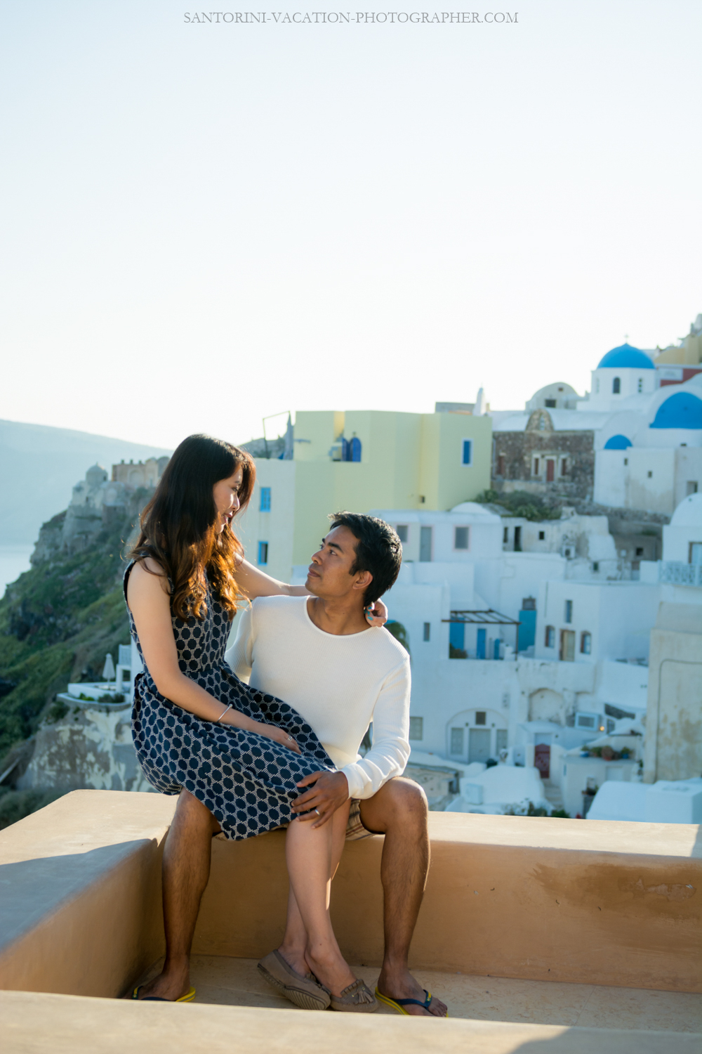 Santorini-photo-shoot-romantic-love-story-004
