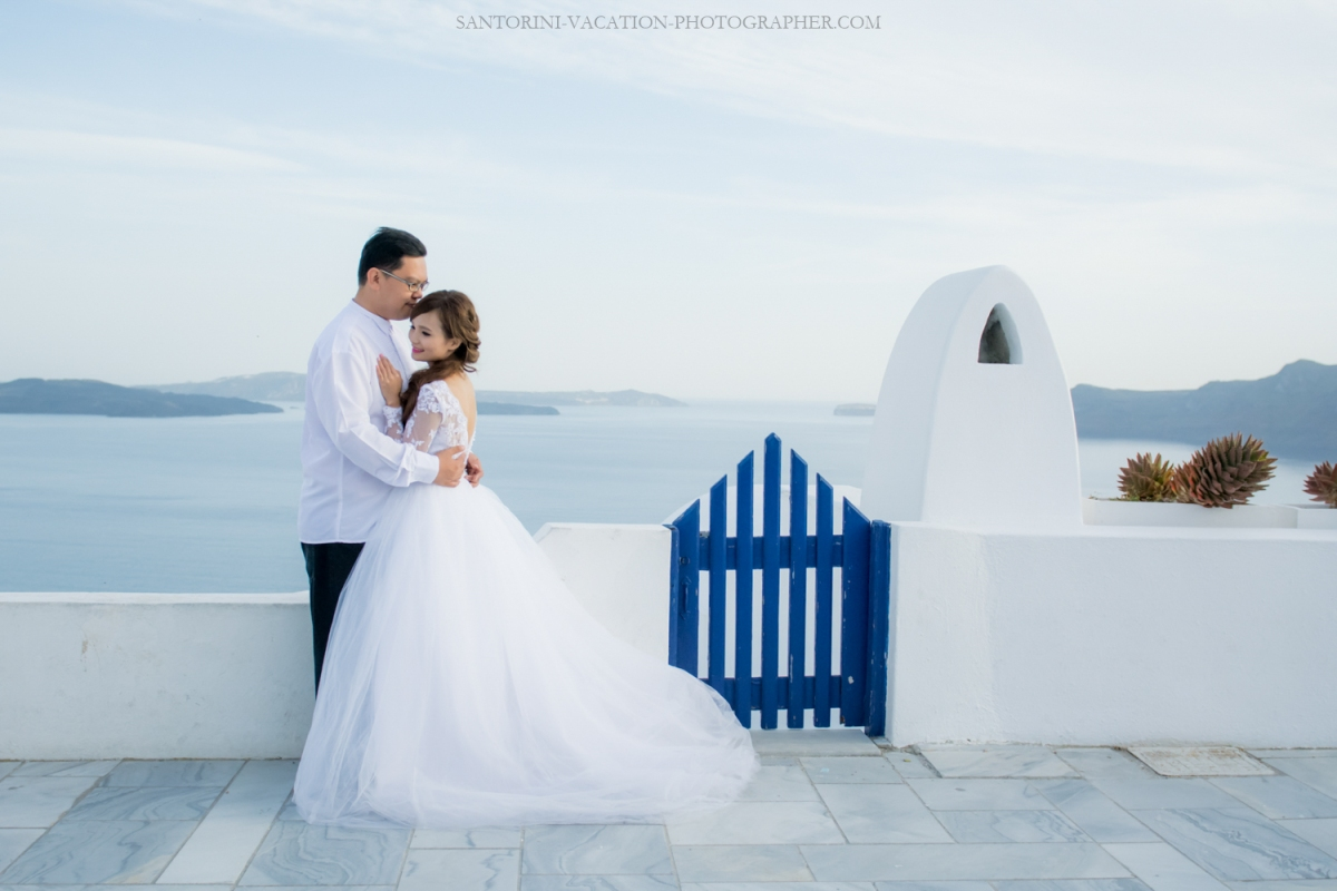 Santorini-photo-shoot-romantic-love-story-005