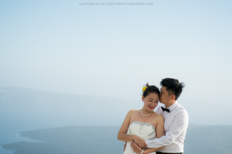 Santorini-photo-shoot-romantic-love-story-006