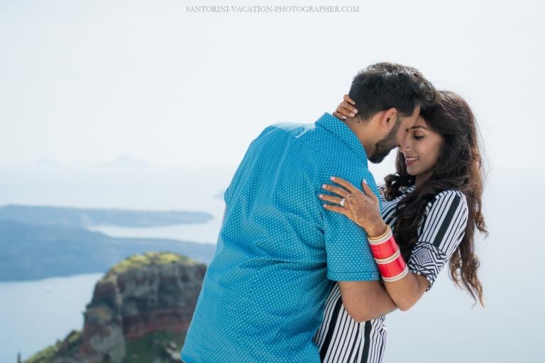 Santorini-photo-shoot-romantic-love-story-007