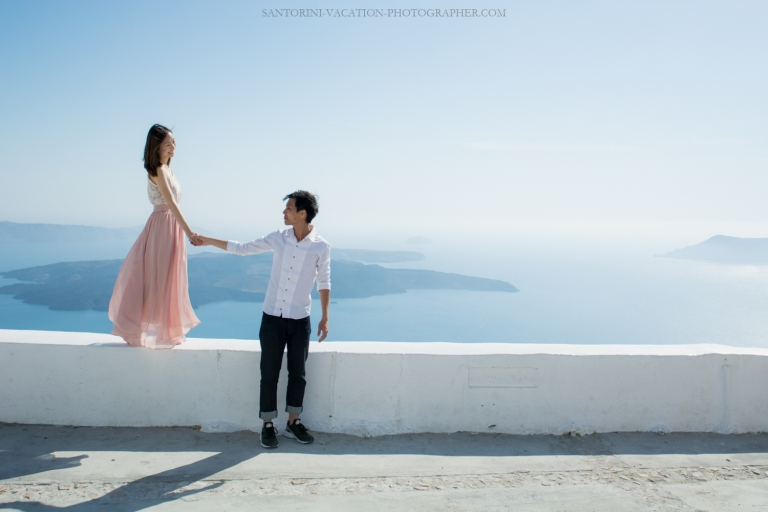 Santorini-photo-shoot-romantic-love-story-009