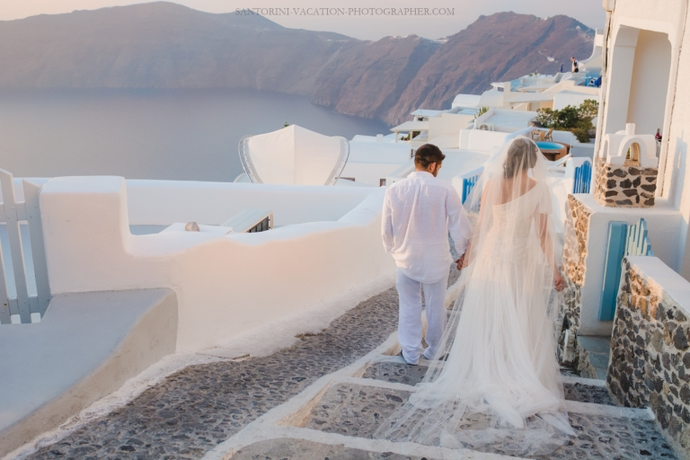 Santorini-photography-destenation-photo-shoot-post-wedding-