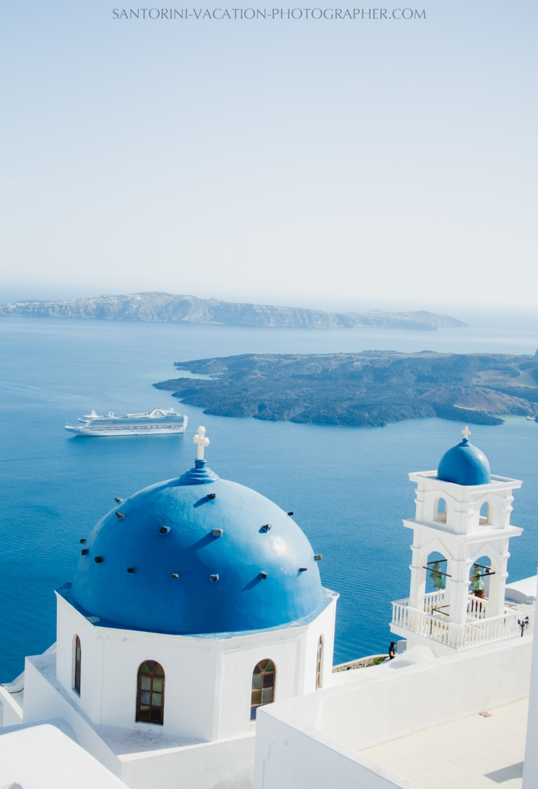 Santorini-photographer-Imerovigli-church-photo-session-location-4