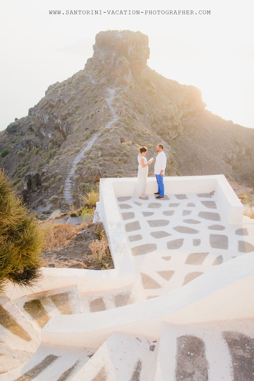 Santorini portrait shoot VOW RENEWAL CEREMONY-skaros-rock