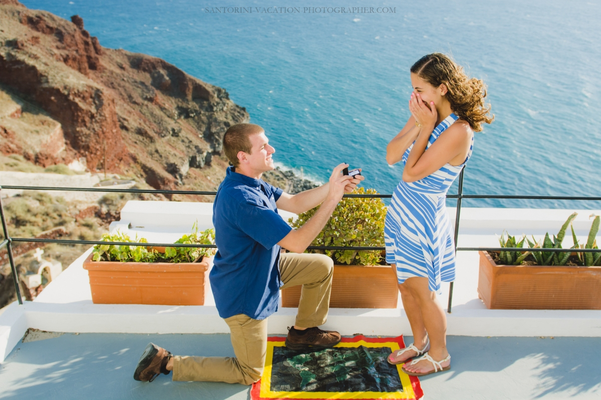 Santorini-proposal-couples-photo-shoot-Greece-007