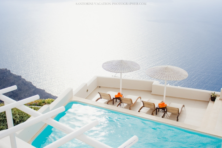 santorini-swiming-pool-greece-trip