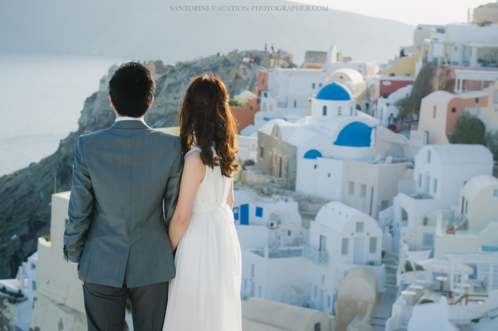 photo-session-on-Santorini-what-to wear-destination-love-story-001