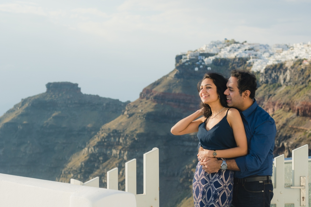 Santorini-caldera-couples-session-destination-proposal-location-004
