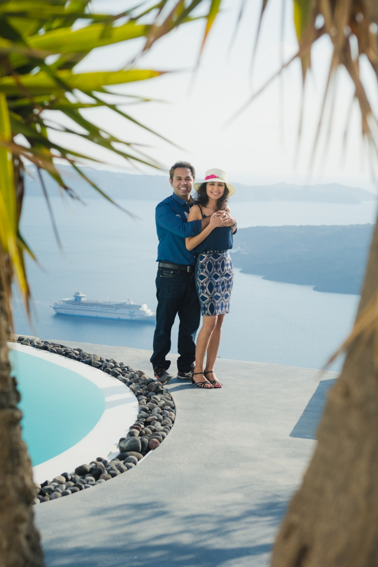Santorini-engagement-photo-session-love-story-001
