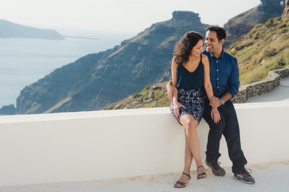 Santorini-engagement-photo-session-love-story-003