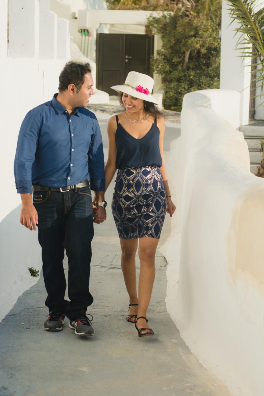 Santorini-engagement-photo-session-love-story-005