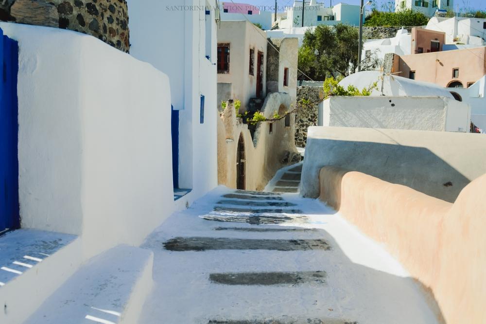 Santorini-next-to-oia-finikia-greece-vacation-hollidays--2