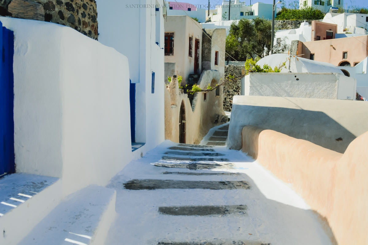 Santorini-next-to-oia-finikia-greece-vacation-hollidays--2