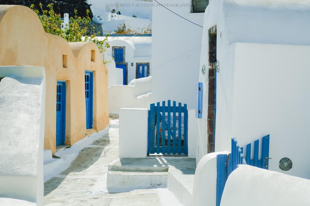 Santorini-next-to-oia-finikia-greece-vacation-hollidays-
