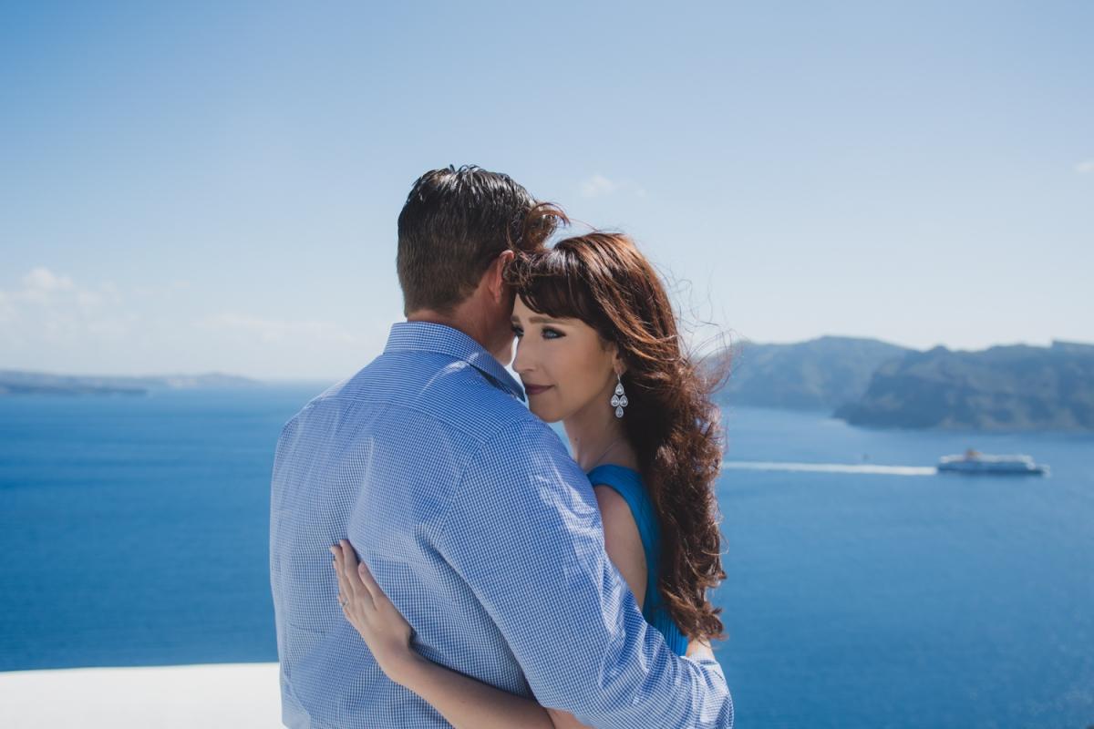 Santorini-photo-shoot-honeymoon-trip-bucket-list-005
