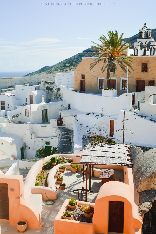 Travel-Santorini-Oia-next-village-finikia-holidays-2