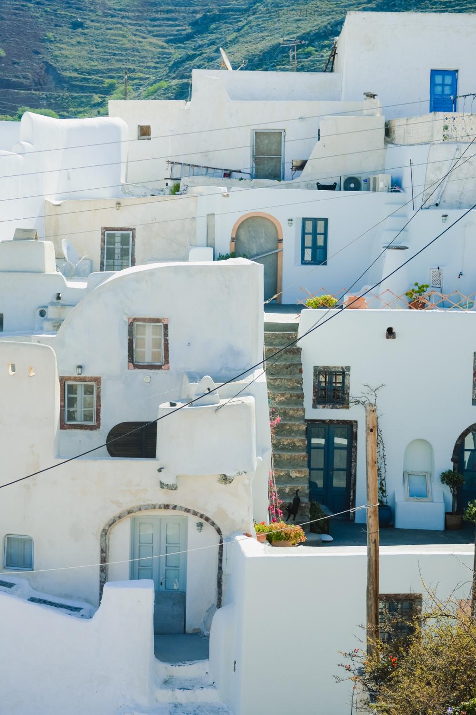 Travel-Santorini-Oia-next-village-finikia-holidays-3