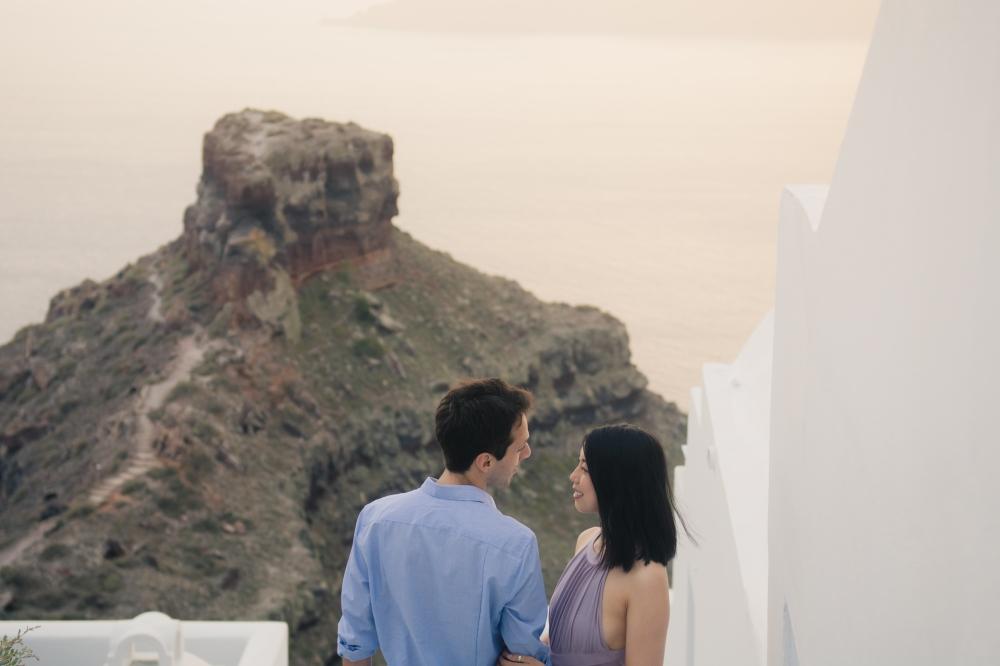 Santorini-photo-session-greece-engagement-shoot-love-story-002