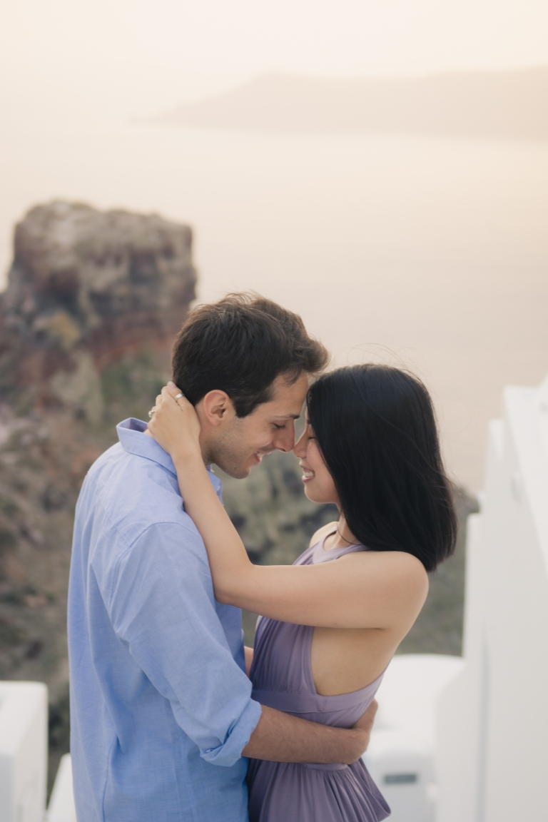 Santorini-photo-session-greece-engagement-shoot-love-story-003
