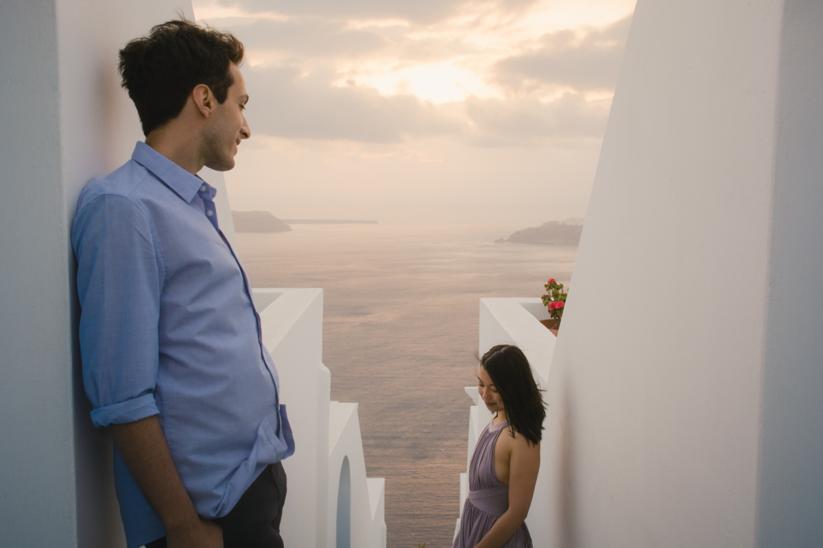 Santorini-photo-session-greece-engagement-shoot-love-story-006