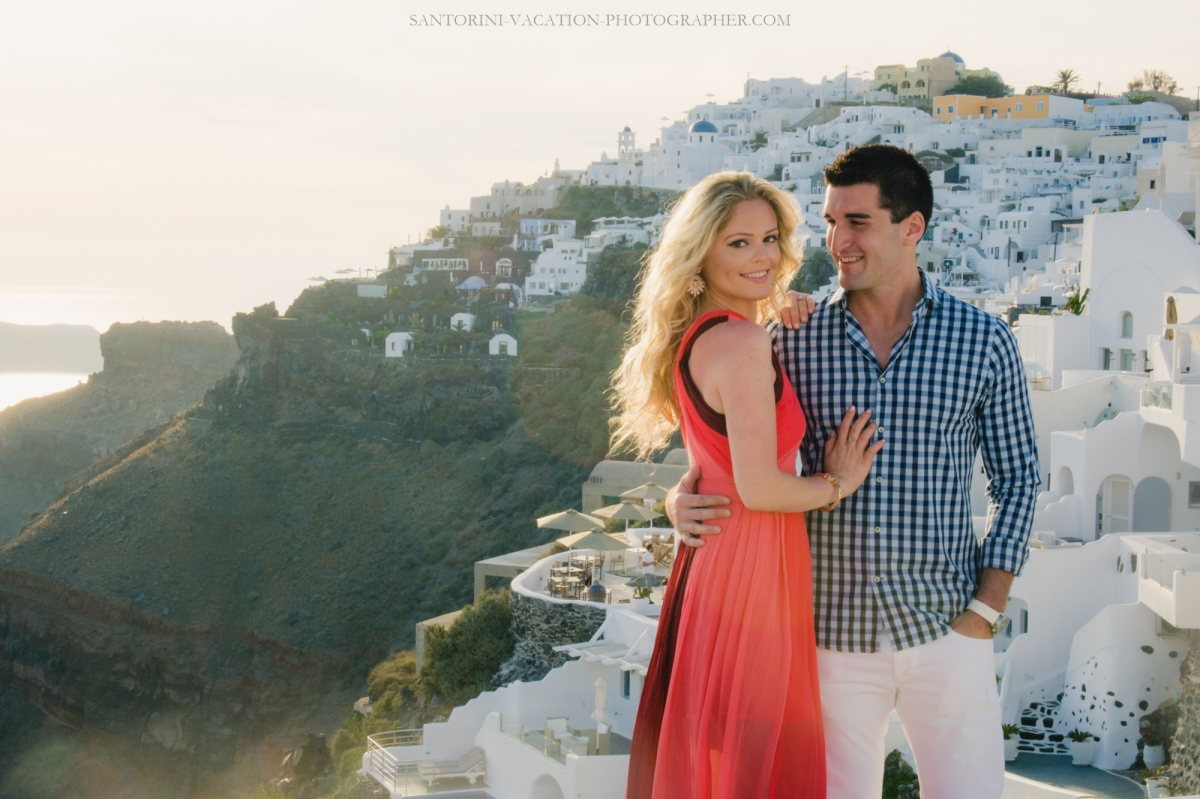 editorial-photo-session-on-Santorini-couples-photo-shot--4