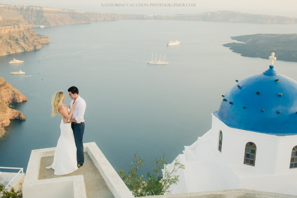 lifestyle-photo-shoot-in-greece-sunset-engagement-session--2