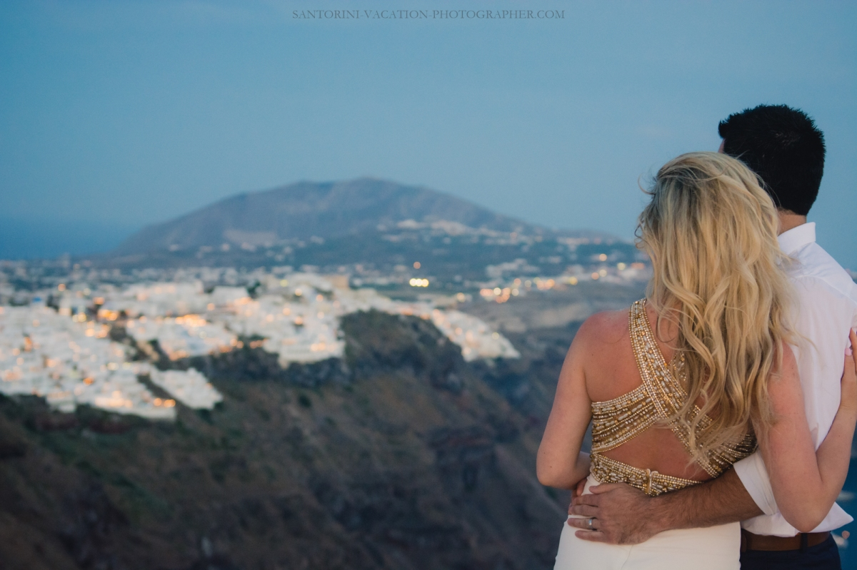 lifestyle-photo-shoot-in-greece-sunset-engagement-session--8