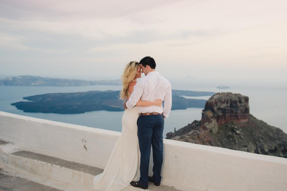 santorini-destination-honeymoon-shoot-elegant-sunset-004
