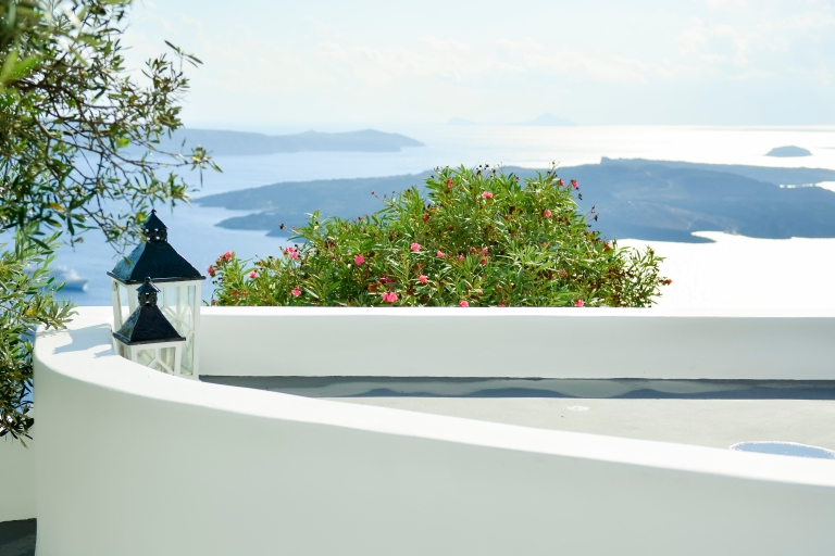 Santorini-post-wedding-trip-travel-honeymoon (2)