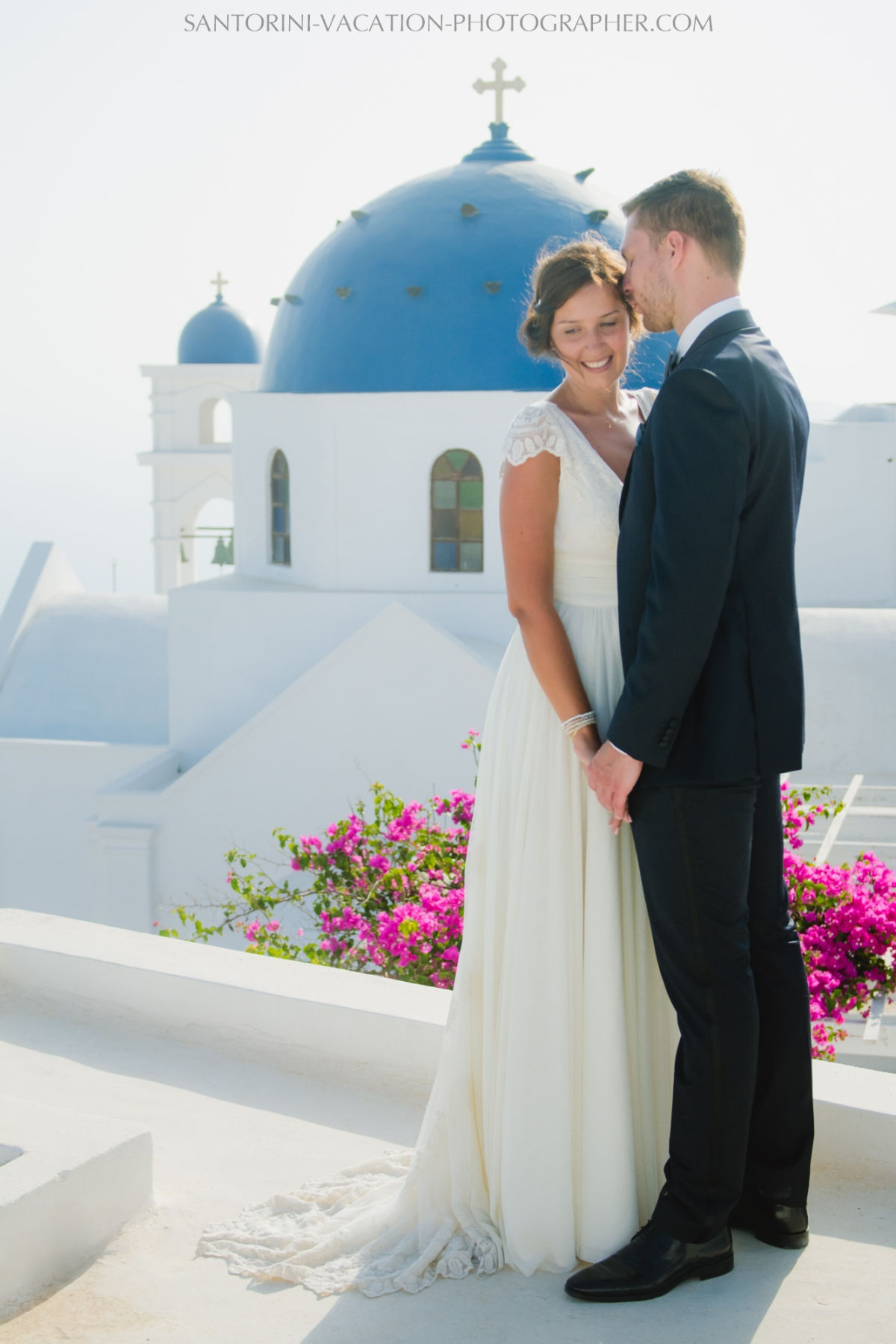 photo-shoot-santorini-blue-domes-post-wedding-destination-3