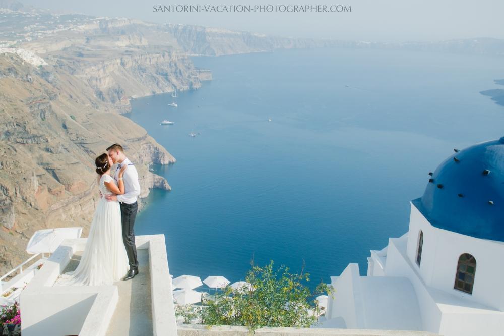 photo-shoot-santorini-blue-domes-post-wedding-destination-4