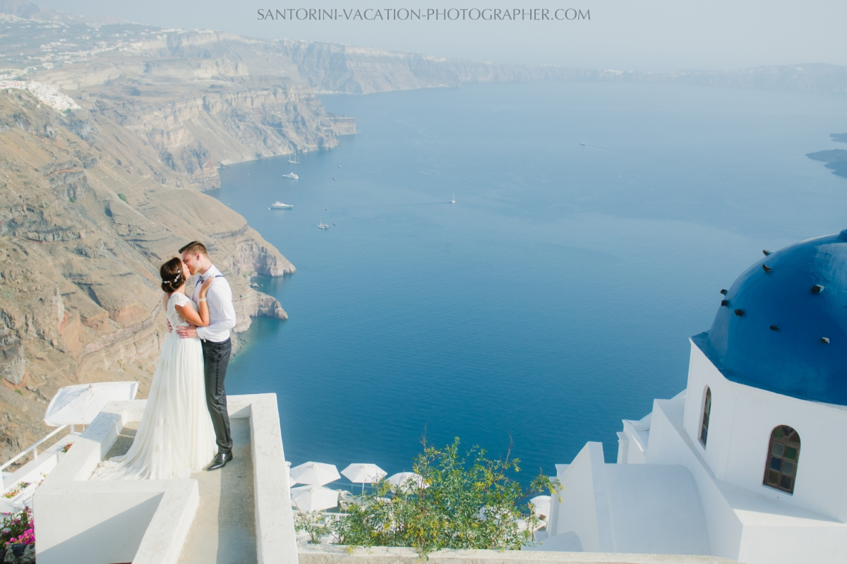 photo-shoot-santorini-blue-domes-post-wedding-destination-4