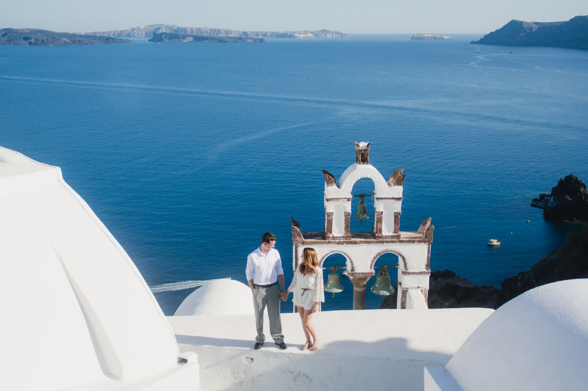 engagement-destination-santorini-propsal-couples-portraits-002