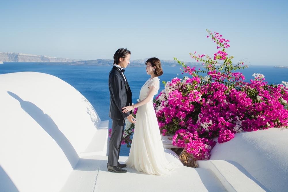 natural-light-bride-santorini-post-wedding-session-oia-001