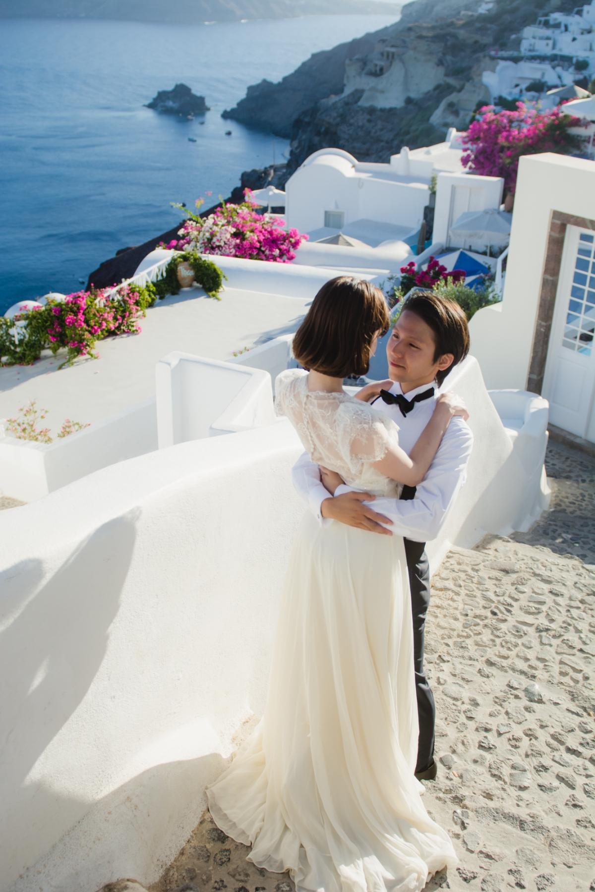 natural-light-bride-santorini-post-wedding-session-oia-007