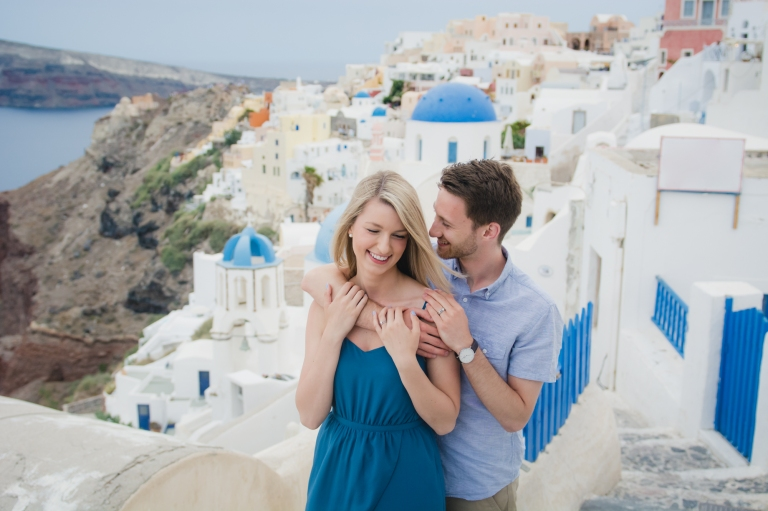 photographer-santorini-life-style-romantic-engagement-001