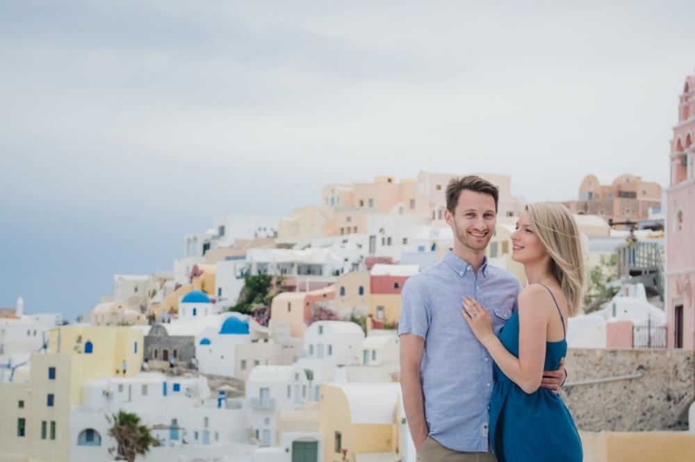 photographer-santorini-life-style-romantic-engagement-005