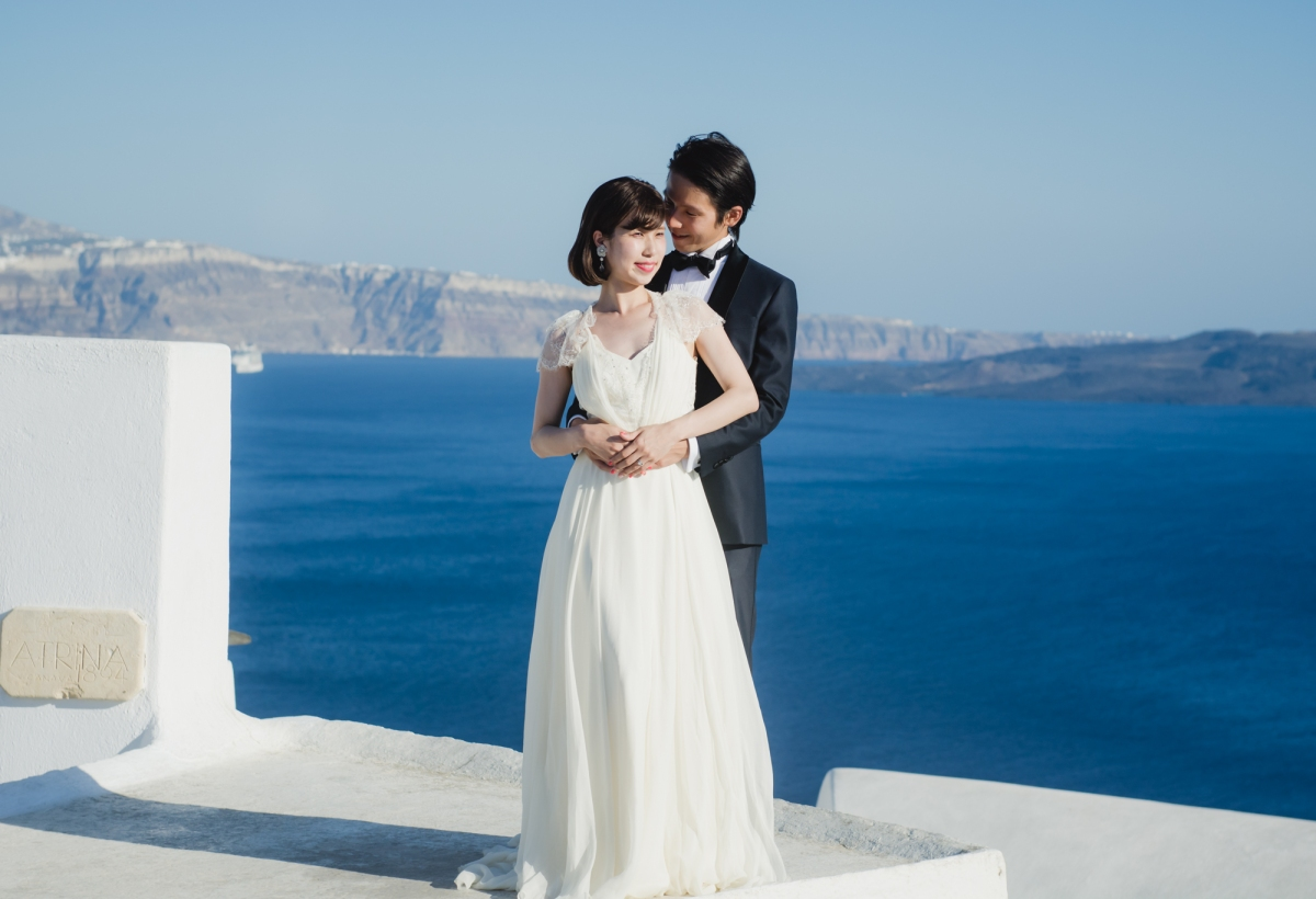 santorini-honeymoon-trash-the-dress-photo-session-003