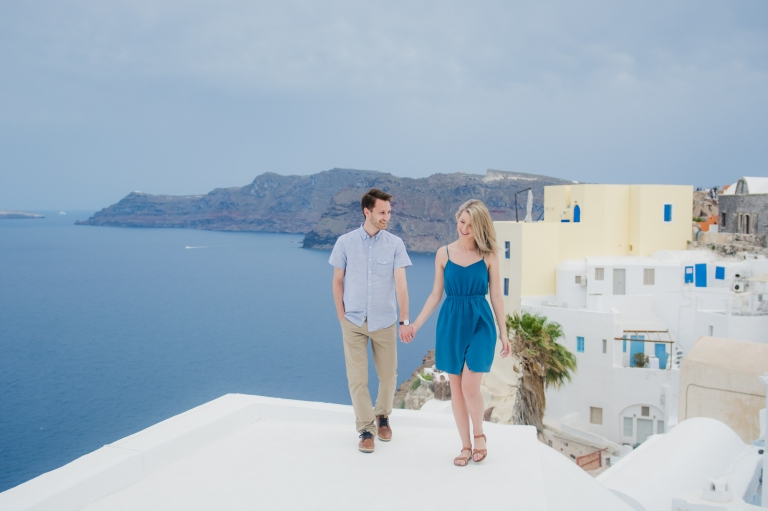santorini-photo-shoot-cloudy-hineymoon-destination-005
