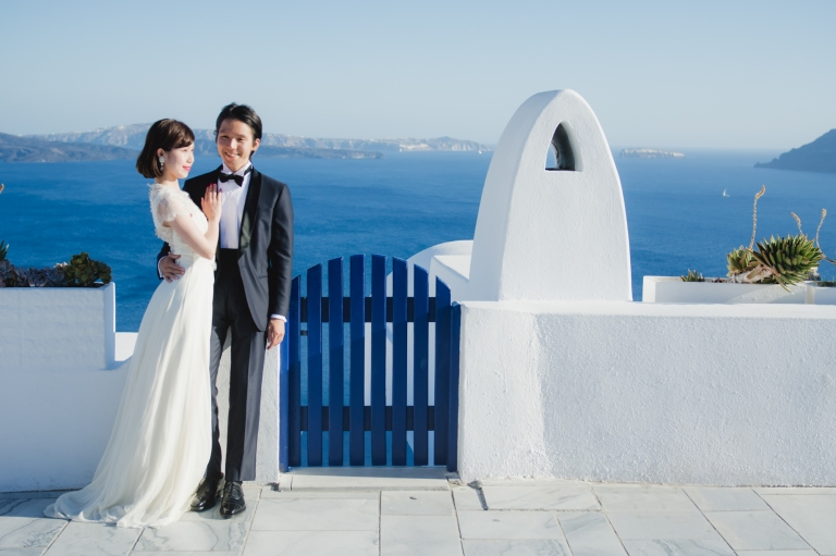 santorini-post-wedding-session-wedding-gown-dress-couple-love-story-001
