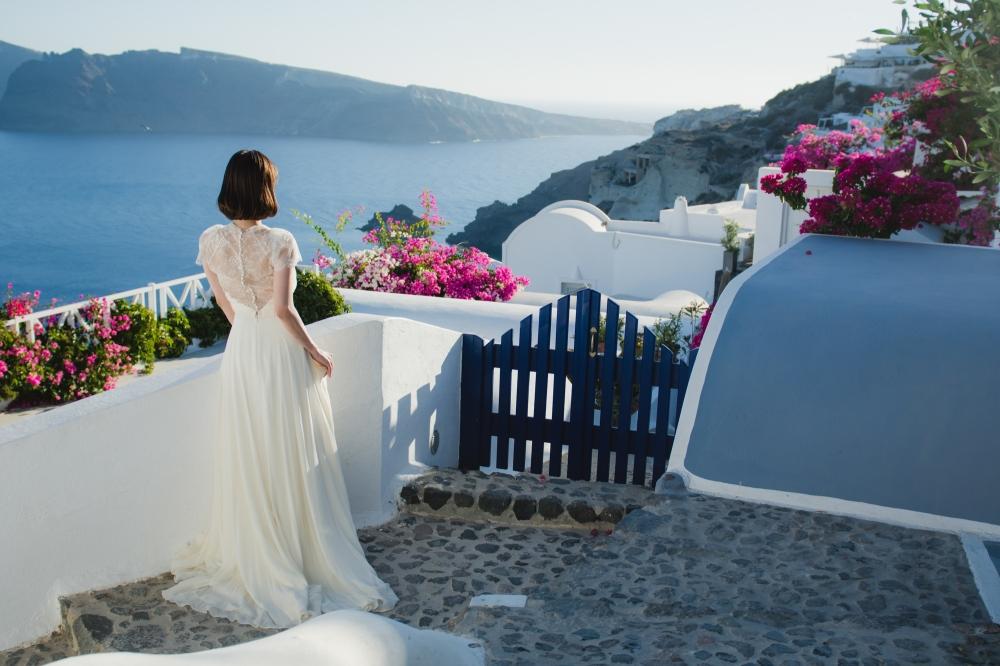 santorini-post-wedding-session-wedding-gown-dress-couple-love-story-003